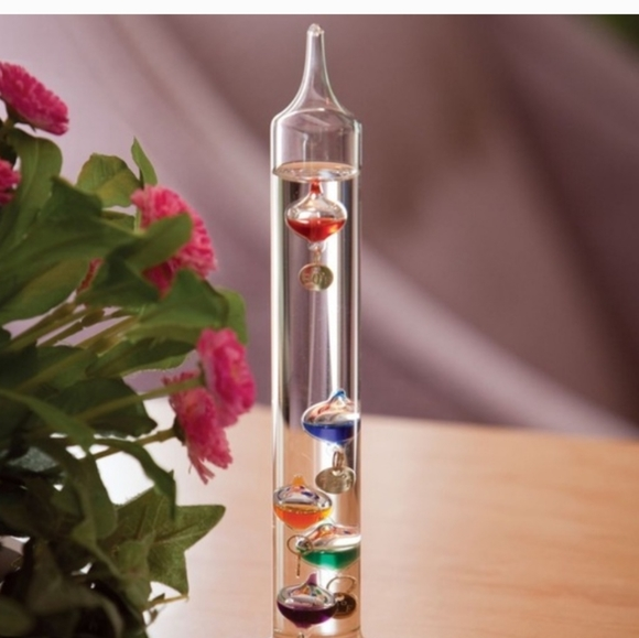 Galilean thermometer